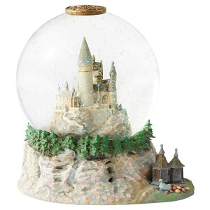 Hogwarts Castle Waterglobe w/ Hut